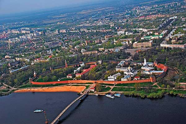 City_night_Novgorod_taxi
